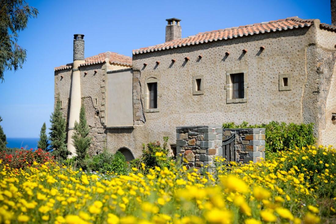 Bienvenue au Kinsterna Hotel, établissement installé dans un ancien manoir byzantin du XIIIe siècle © Kinsterna