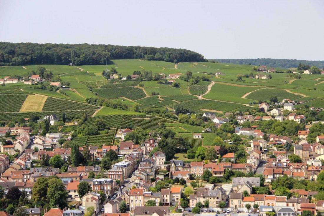La ville d'Épernay et les vignes depuis le ballon captif ©E. Vidal - Coll. ADT Marne