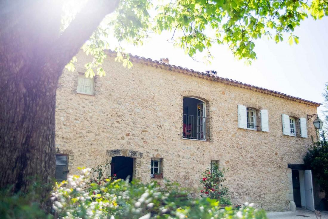 La Bastide de Moustier, auberge d'Alain Ducasse dans les Alpes de Haute Provence © P. Monetta