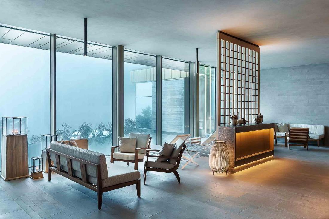 Espace de relaxation avec vue à l'Alpine Spa du Bürgenstock Resort © Bürgenstock Hotels AG