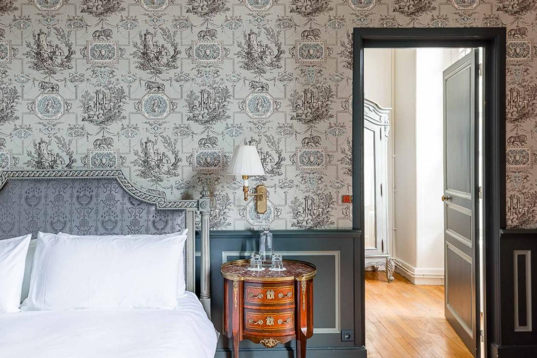 Détails de décoration dans la chambre 4 de l'Hôtel Château du Grand-Lucé © Adam Lynk