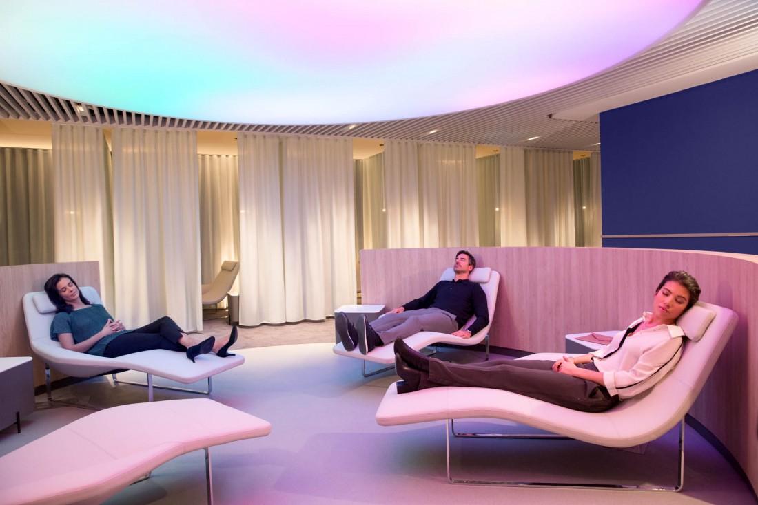 Une zone « Instant Relaxation » pour se détendre dans un confort optimal, au sein de l'espace bien-être © Air France