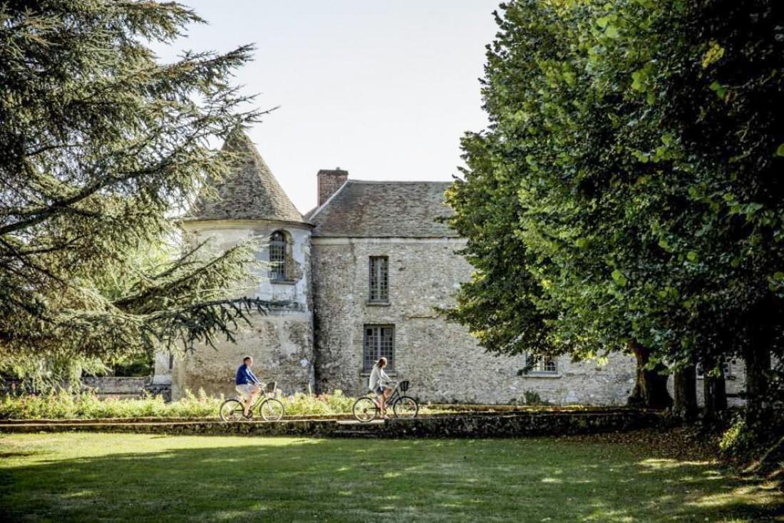 Les activités innombrables des Maisons de campagne, Château de Villiers le Mahieu © Karel Balas