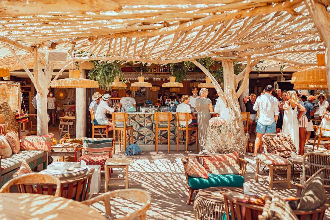 Maison Cabane Bambou sur la plage de Pampelonne © DR