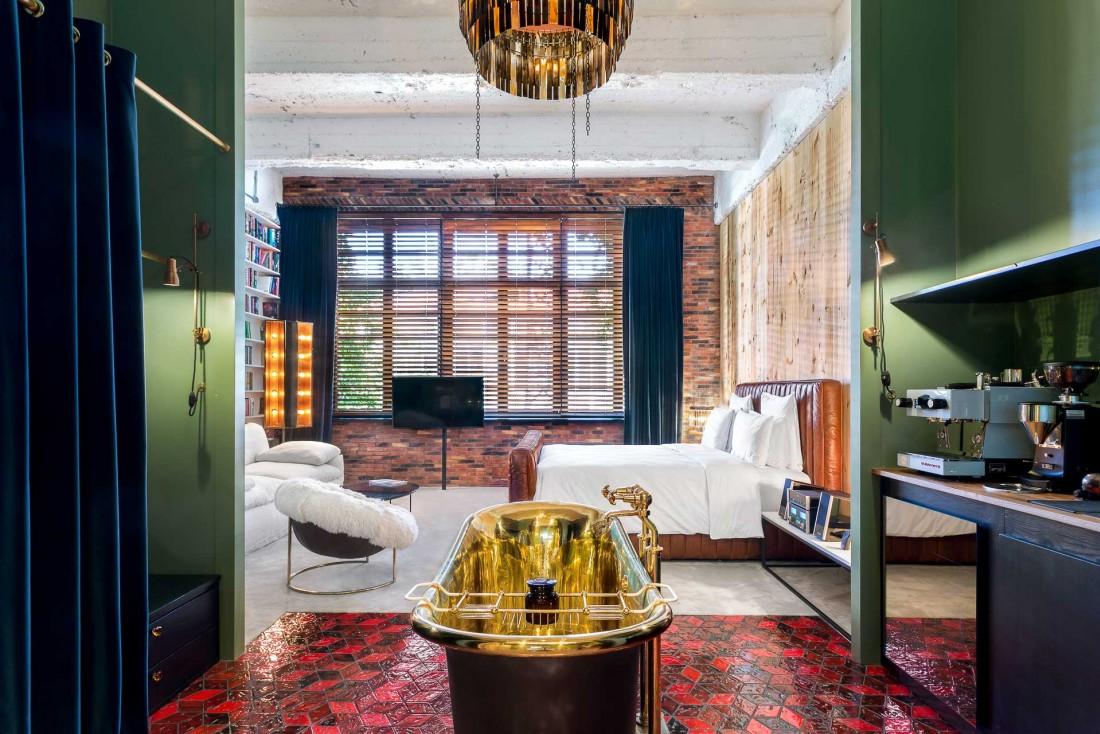 Les 'Aviator Signature Rooms' comptent parmi les plus belles du Stamba Hotel, la nouvelle référence design à Tbilissi © DR