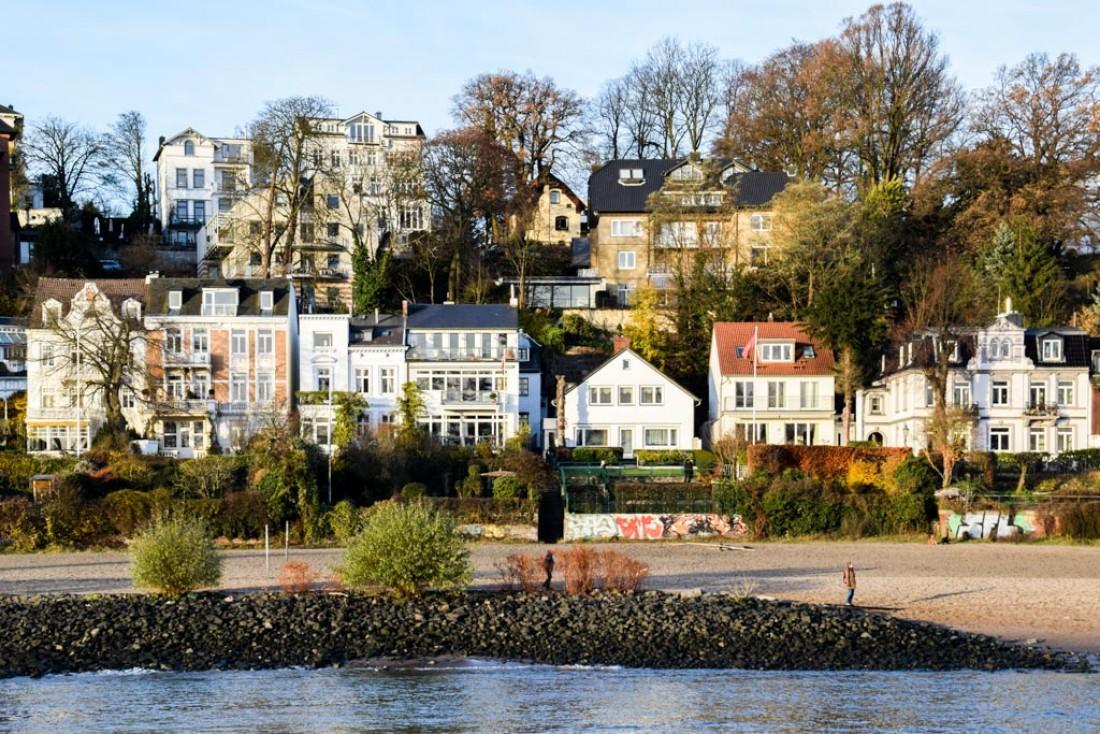 Villas surplombant l'Elbe dans le quartier chic de Nienstedten © YONDER.fr