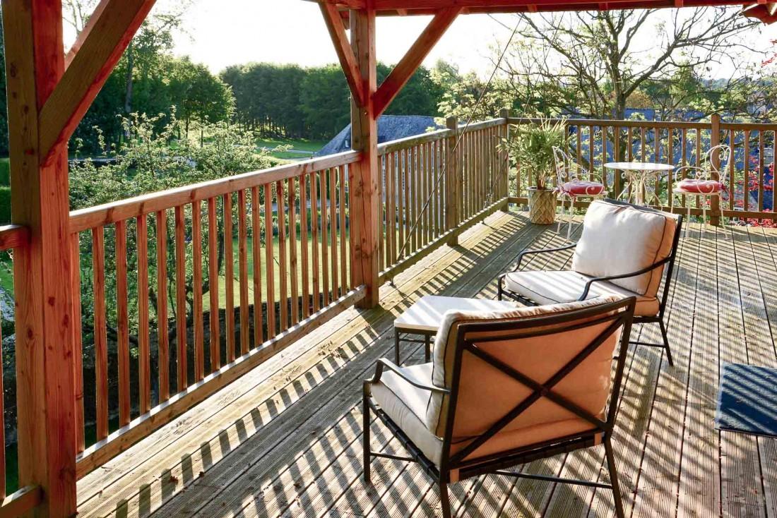 D'une superficie totale de 70 m², la cabane offre le confort d'une grande terrasse © Emmanuel Laveran