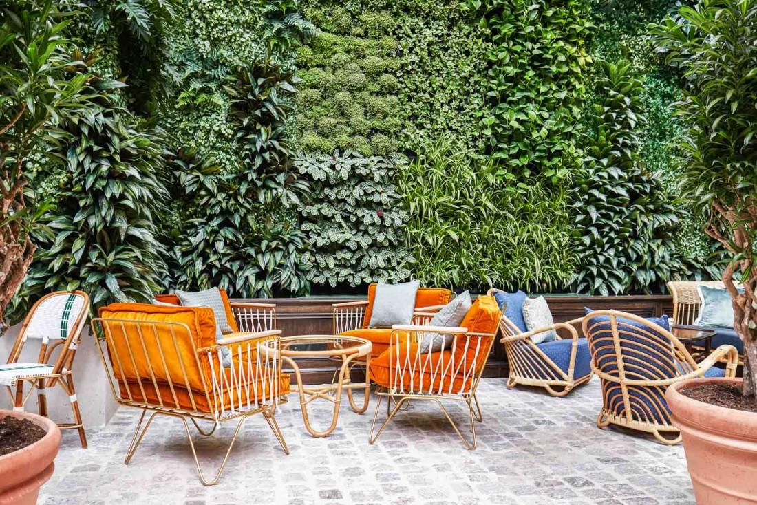 Le Jardin d'Hiver avec son mur végétal © Alan Jensen
