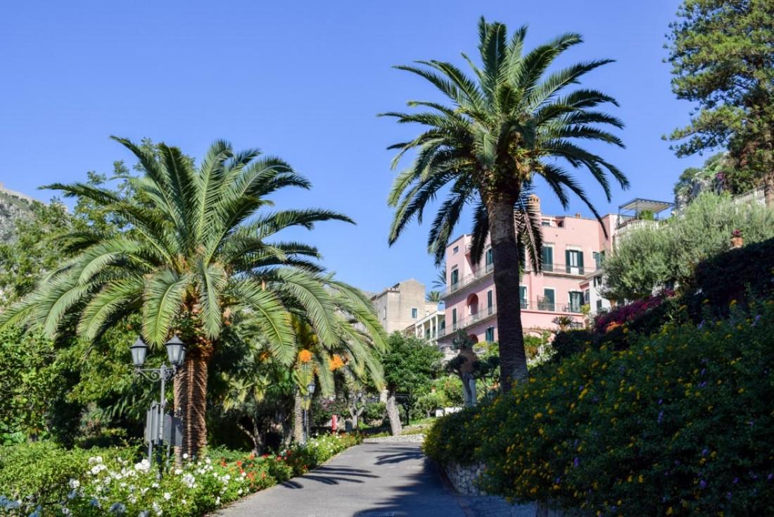 Dans le parc du Belmond Grand Hotel Timeo © YONDER.fr