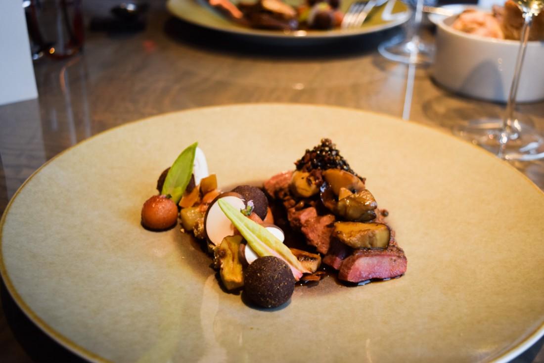 Canard sauvage, cèpes, châtaignes, boudin noir, coing : un plat tout à fait automnal © Yonder.fr