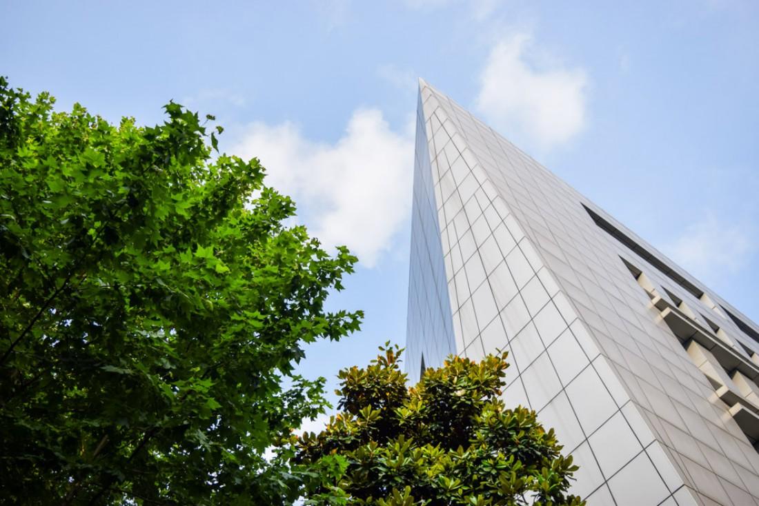 Partout, des tours s'élèvent vers le ciel © Yonder.fr