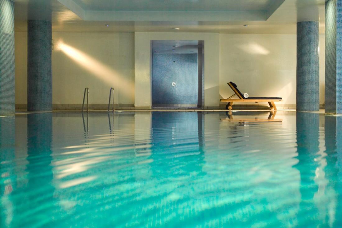 Au sous-sol, une vaste piscine longue de 15 mètres © Rocco Forte Hotel