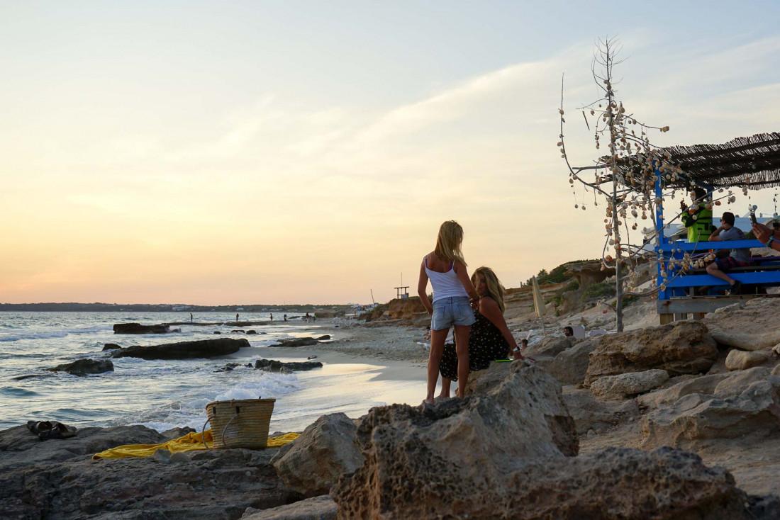 Formentera   Chiringuito Bartolo, l'un de nos spots préférés pour profiter du coucher de soleil un verre à la main © MB   YONDER.fr
