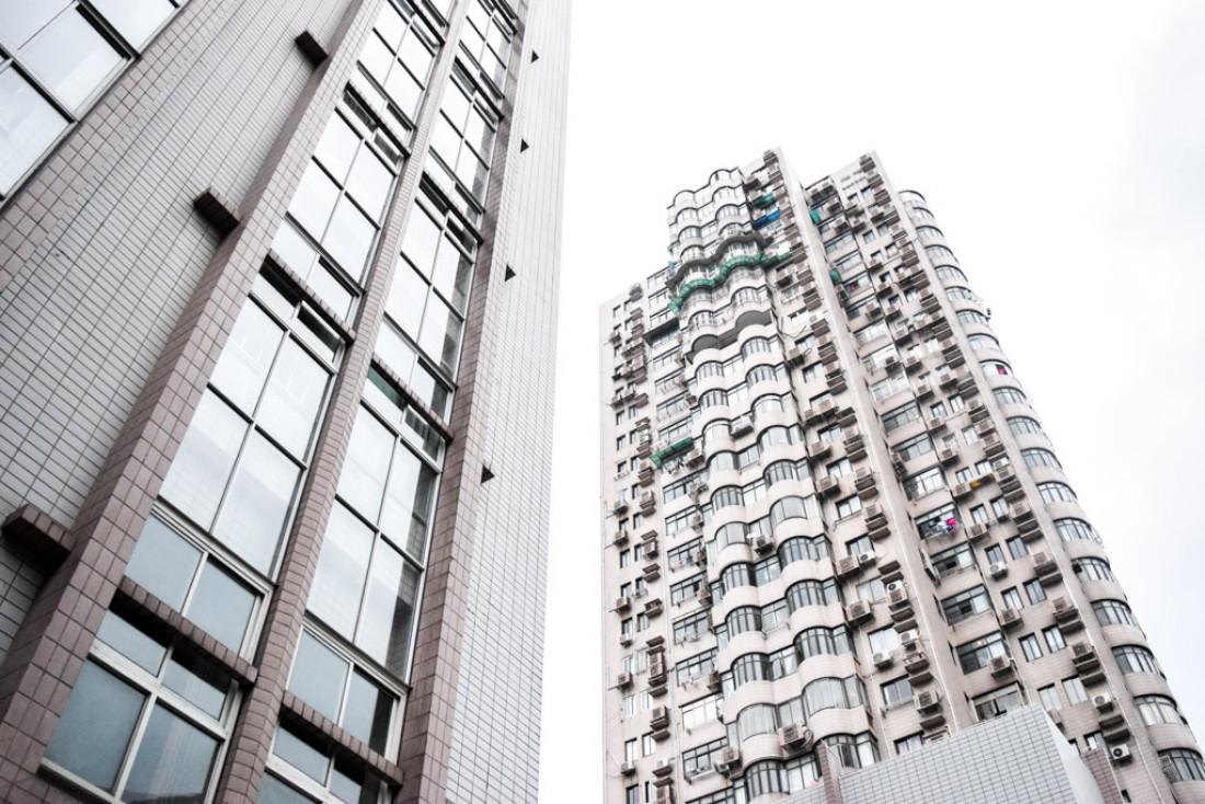 Tours résidentielles typiques de Shanghai, en périphérie de Jing'an © Yonder.fr