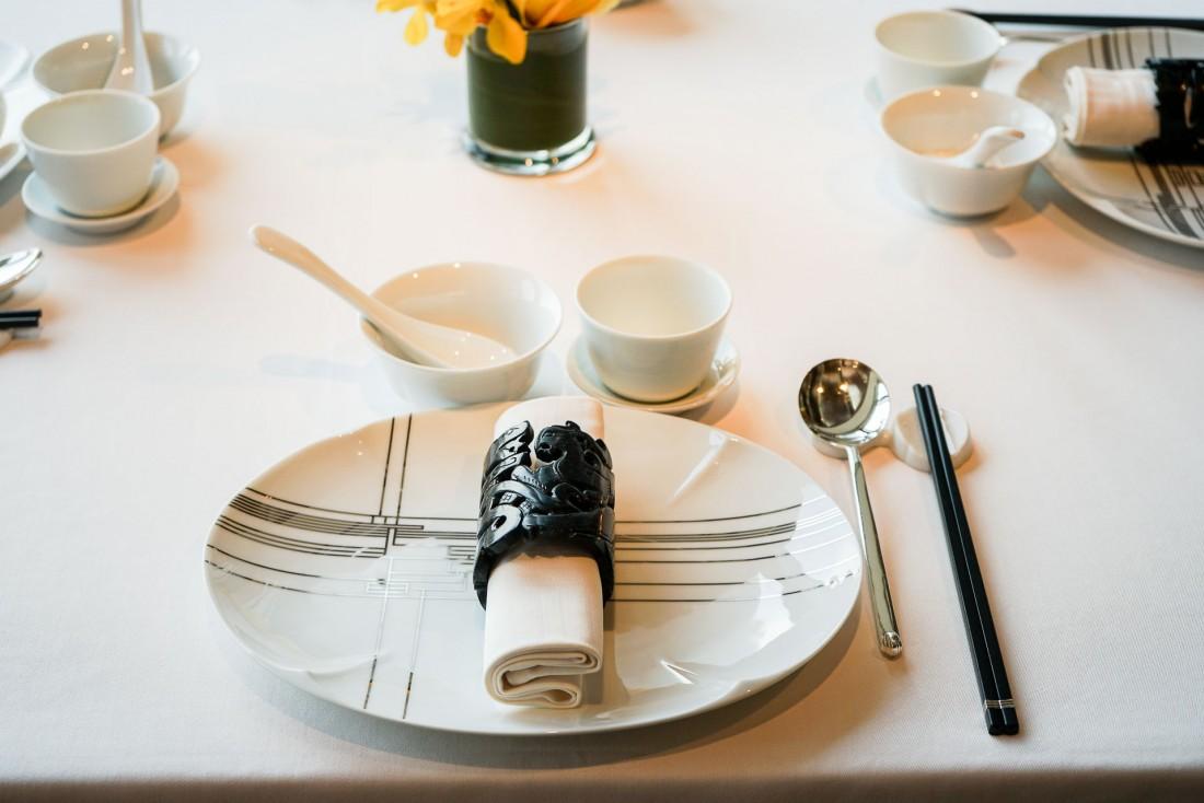Lung King Heen, à Hong Kong, est le premier restaurant de cuisine chinoise à avoir décroché trois étoiles Michelin © MB / YONDER.fr