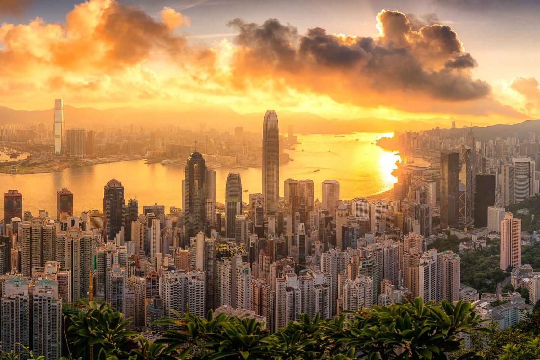 Hong Kong : lever de soleil spectaculaire sur la baie Victoria depuis le pic Victoria © DR