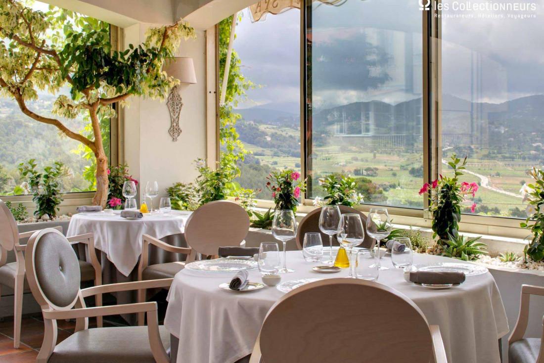 Hostellerie Bérard & Spa et son restaurantRené Sens, une étoile au Michelin du chef Jean-François Bérard © les Collectionneurs