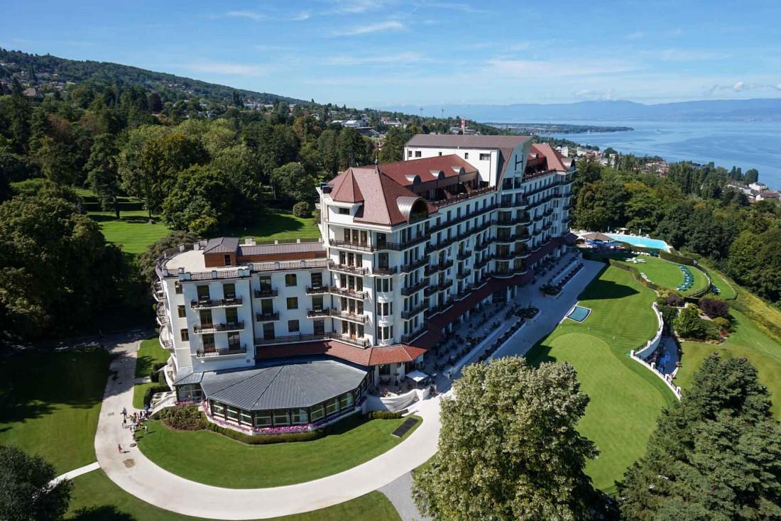Le Royal Evian, considéré à son inauguration en 1909 comme le plus bel hôtel du monde © Royal Evian