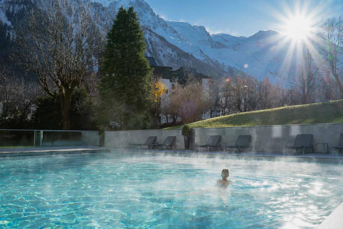 Hôtel Mont-Blanc Chamonix | Piscine extérieure © Wanderlust Lab