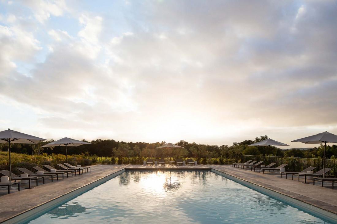 Ultimate Provence | Au bord de la piscine © Mark Elst