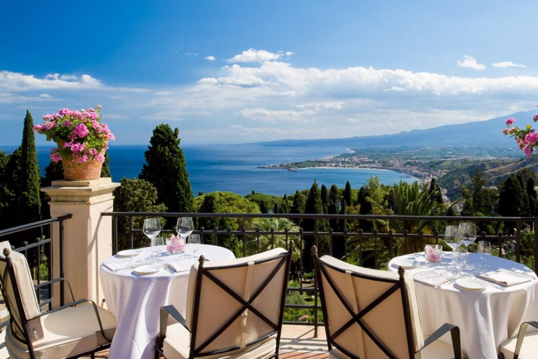 La terrasse de l'hôtel est le lieu privilégié des petit-déjeuners, déjeuner ou apéros chics © Belmond