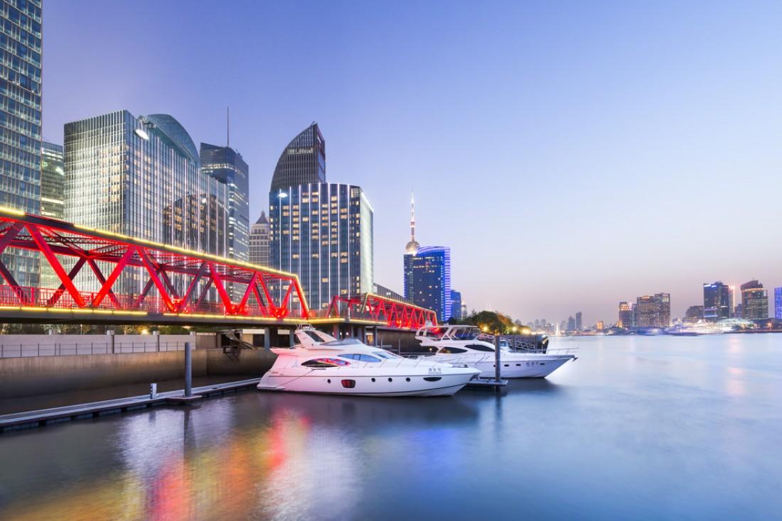 Fait notable, le Mandarin Oriental Pudong dispose de sa propre marina sur la rivière © MOHG