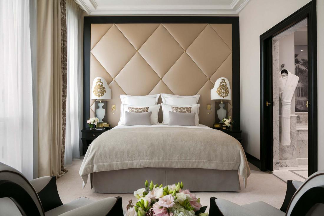 Hôtel Barrière Le Fouquet's Paris | Junior Suite Prestige © Fabrice Rambert