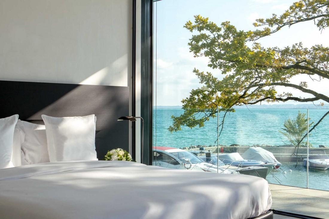 La Villa du Lac est un écrin de verre contemporain pour les clients ultra VIP de La Réserve Genève © G. Gardette