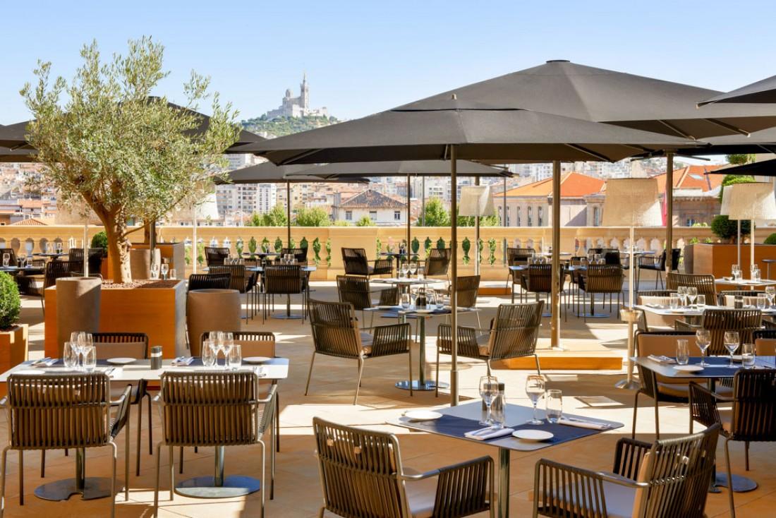 La terrasse de l'hôtel est la plus belle de Marseille © IHG