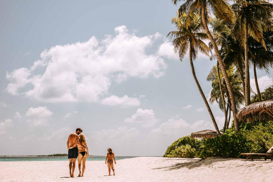 Joali Maldives | Balade sur la plage © Joali