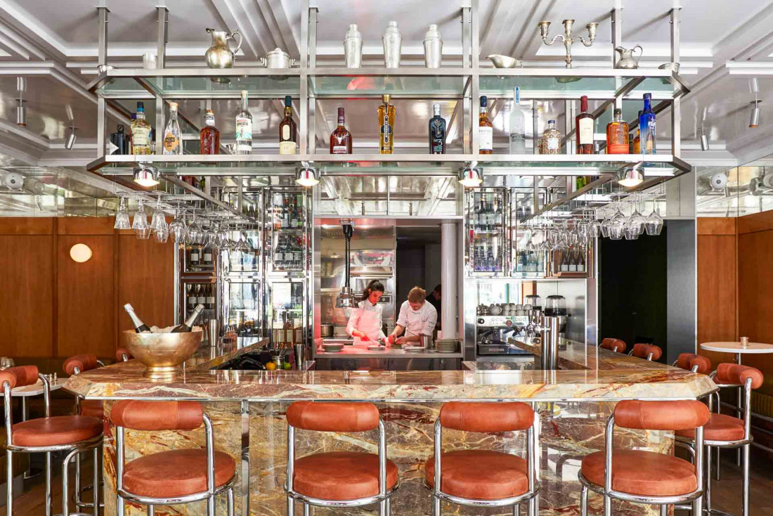 Grand comptoir en marbre, verrière et fauteuils vintage, Abstinence s'installe avenue de la Motte-Piquet pour une proposition tout sauf frugale © DR