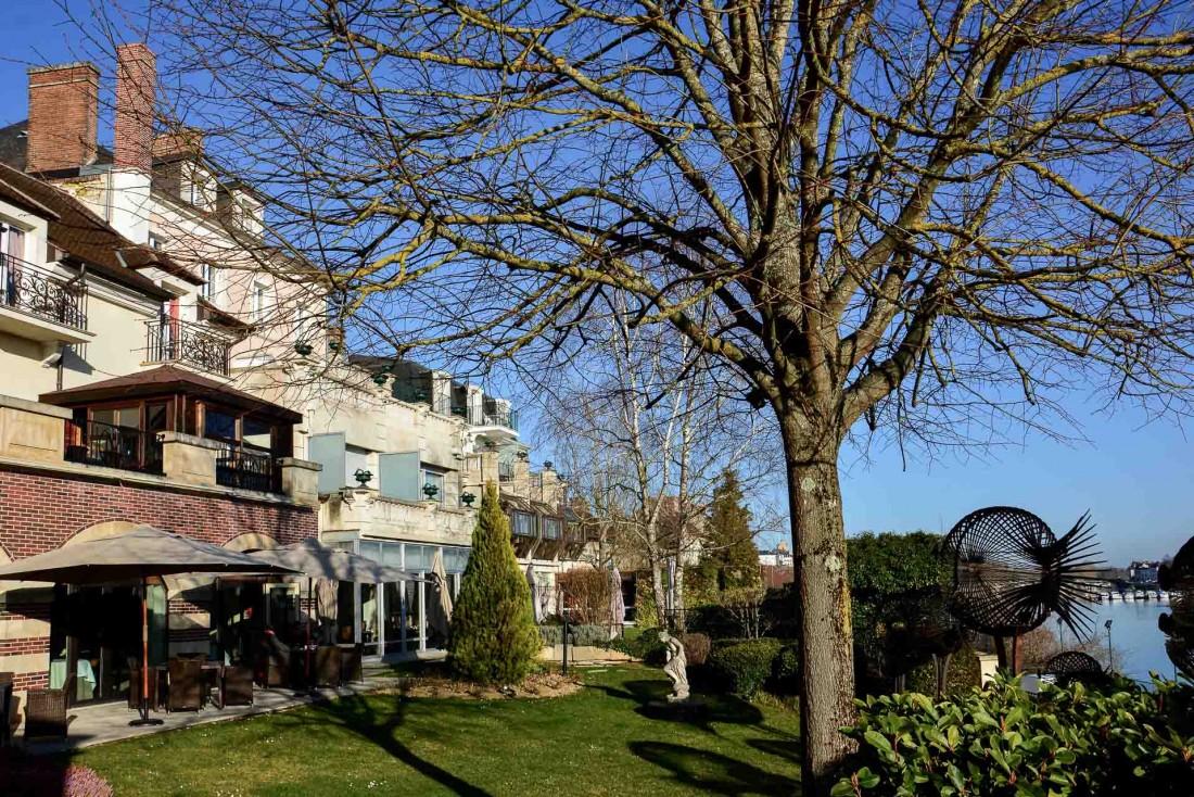 L'hôtel est un regroupement de charmantes maisons de village où chaque chambre est différente © YONDER.fr