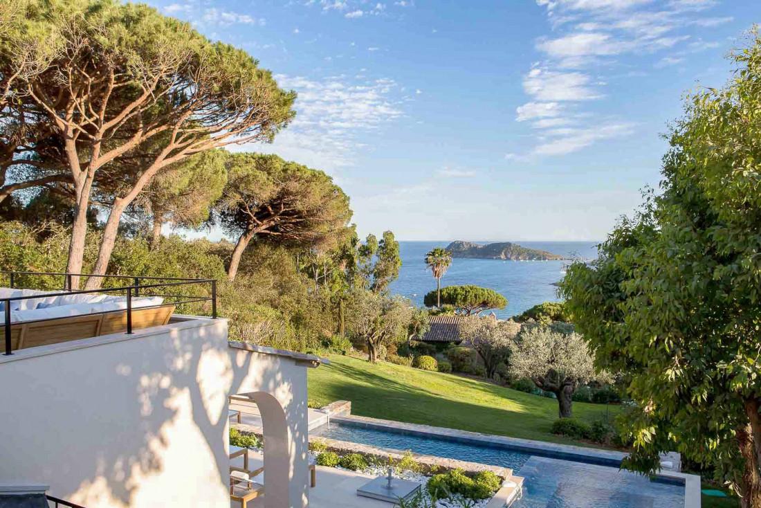 Villa avec vue à La Réserve Ramatuelle, palace contemporain de la Côte d'Azur © G. Gardette