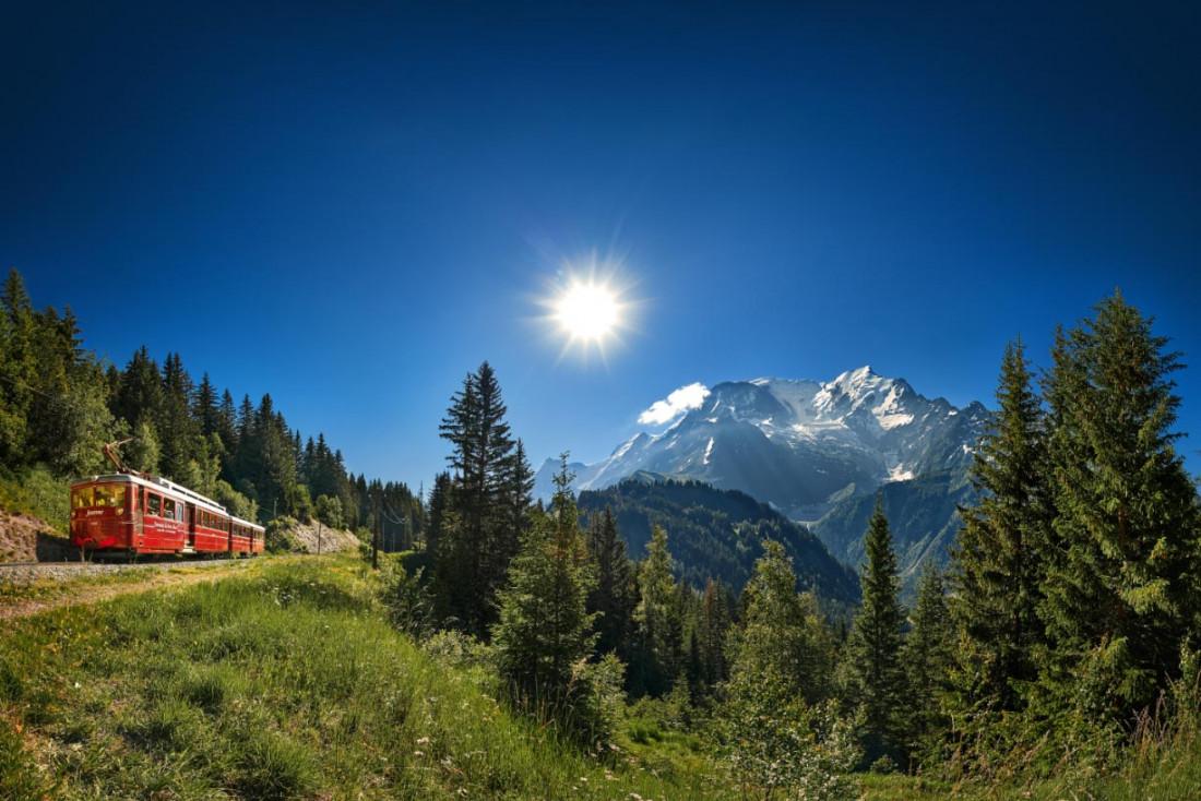Le Tramway du Mont-Blanc pour atteindre le départ du raid © Bernard Tartinville