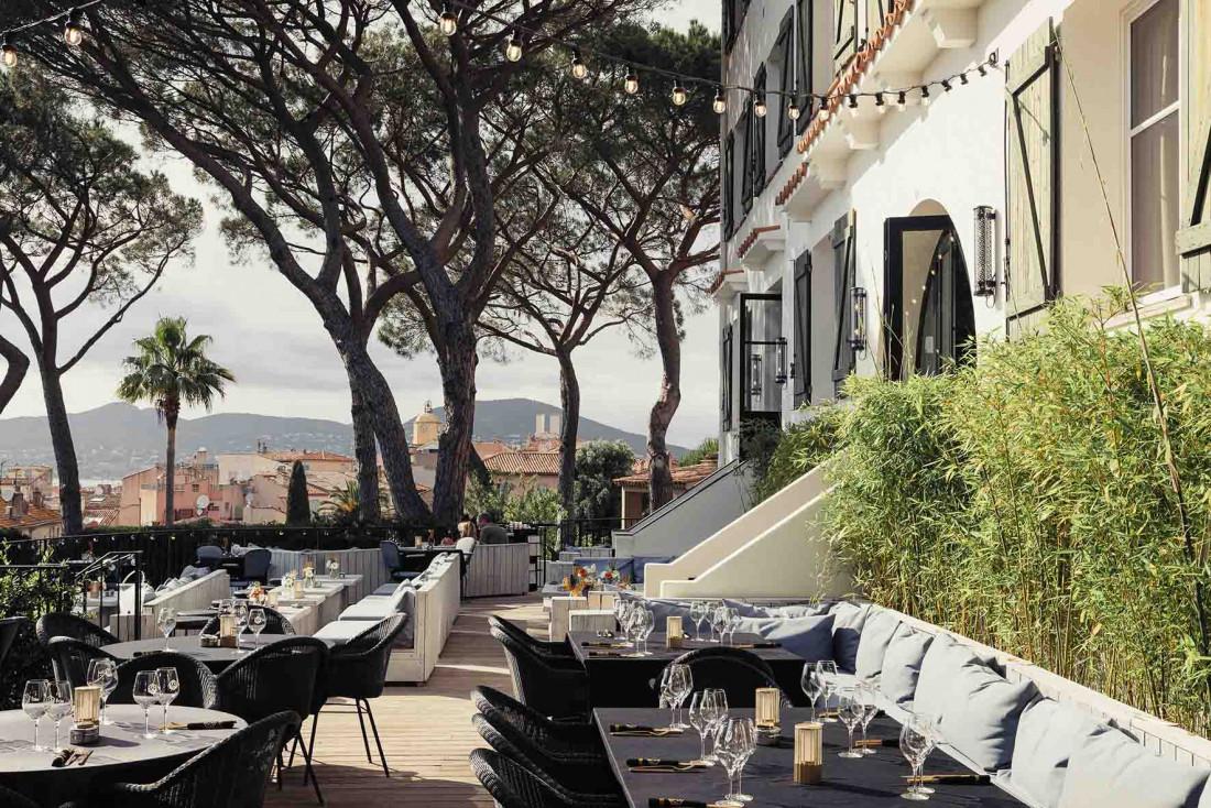 La terrasse du TIGrr Saint-Tropeez qui s'est offert un relifting total pour la saison © Lucile Casanova