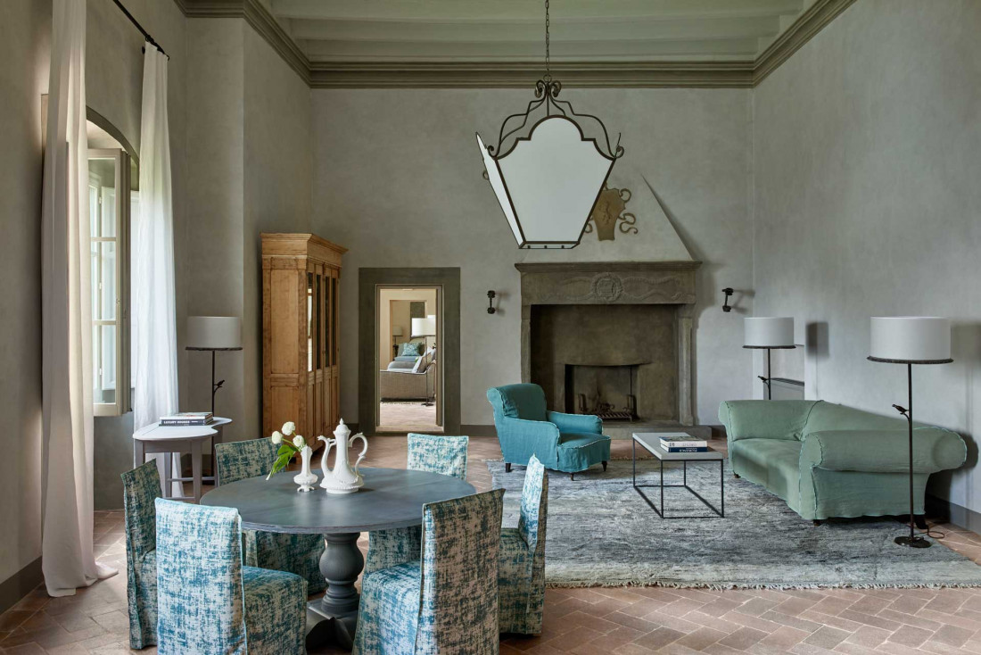 COMO Castello Del Nero : salle Gran Camino, où étaient organisées les réceptions et les fêtes au Moyen-Âge © COMO Hotels & Resorts