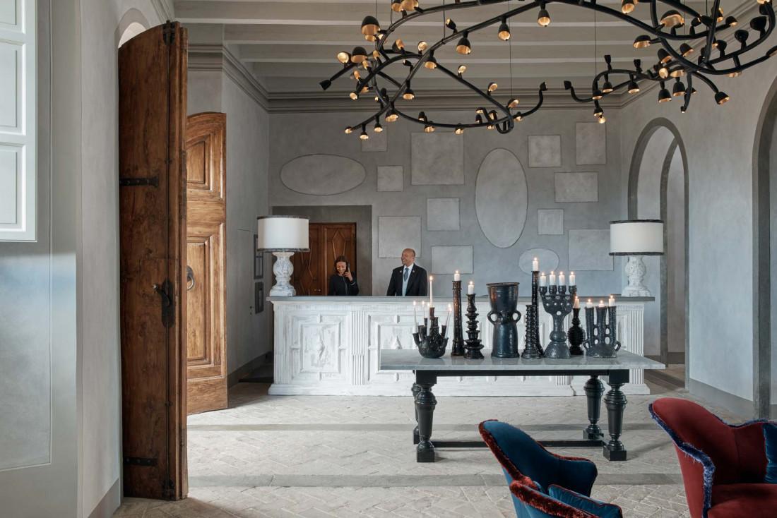 La réception de l'hôtel, décorée par la décoratrice d'intérieur Paolo Navone © COMO Hotels & Resorts