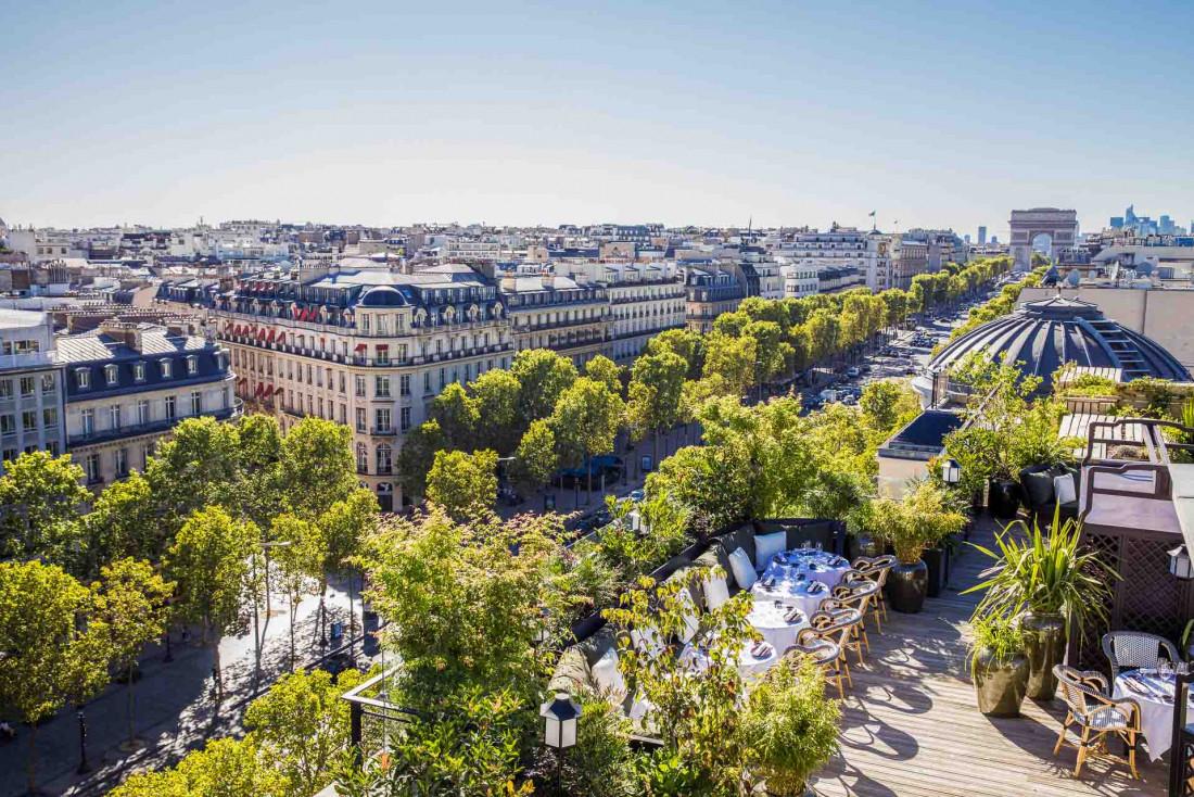 MUN, ouvert en septembre dernier sur les Champs-Élysées, promet d'être l'un des rooftops de l'été © Romain Ricard