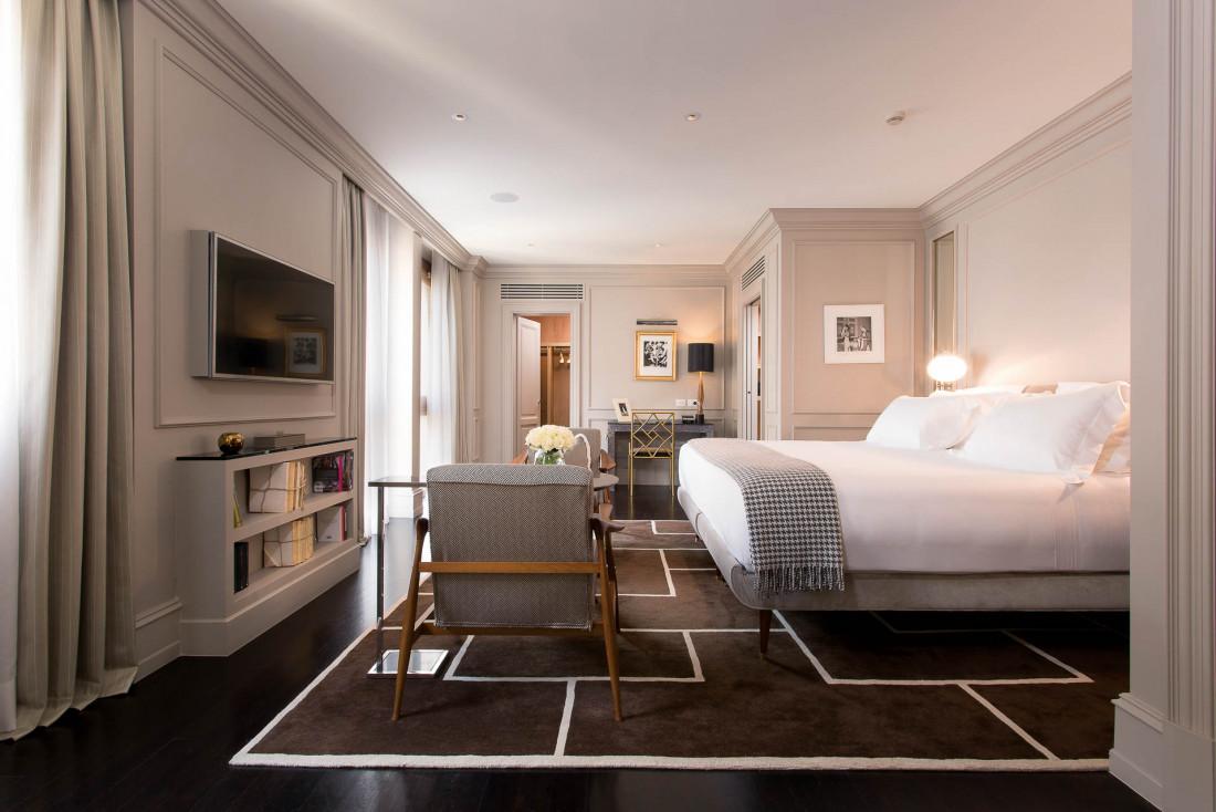 Le décor des chambres et suites est signé de l'architecte d'intérieur florentin Michele Bönan © DR