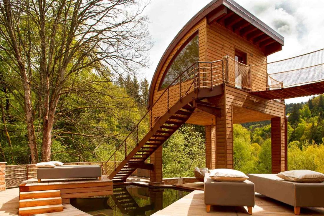 À La Cheneaudière en Alsace, une partie du spa se trouve à l'extérieur © Jérôme Mondière