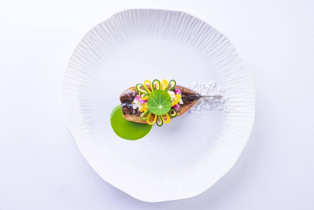 La cuisine hyper délicate de Anne-Sophie Pic, ici sardine et whisky © JF Mallet