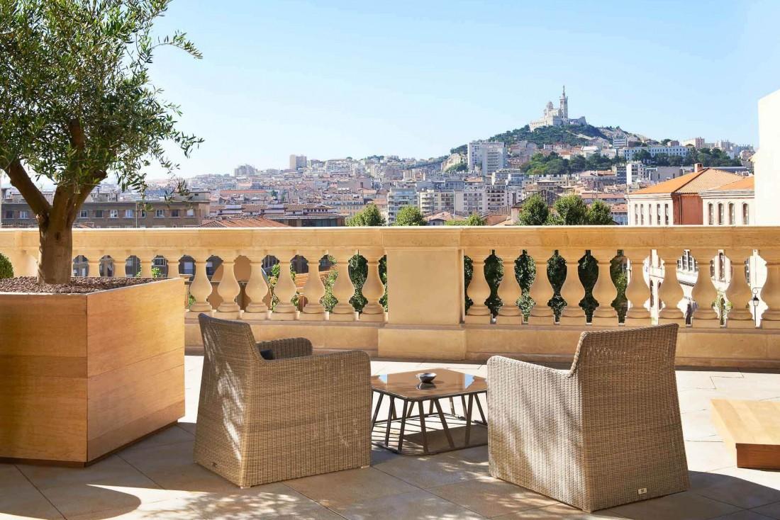 Vue imprenable depuis la terrasse de l'InterContinental Marseille Hôtel Dieu © IHG