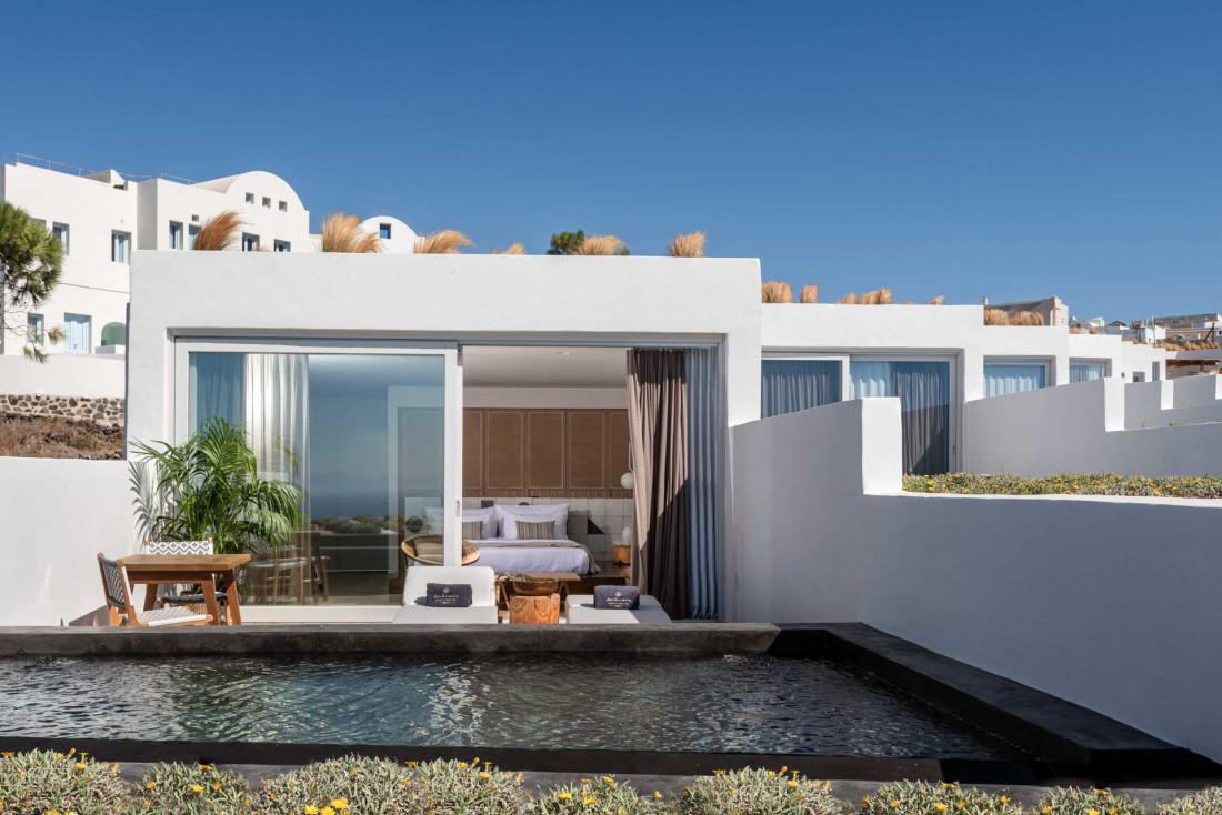 Une Sunset Suite et sa piscine privée, ouverte sur la Méditerranée © Andronis Arcadia