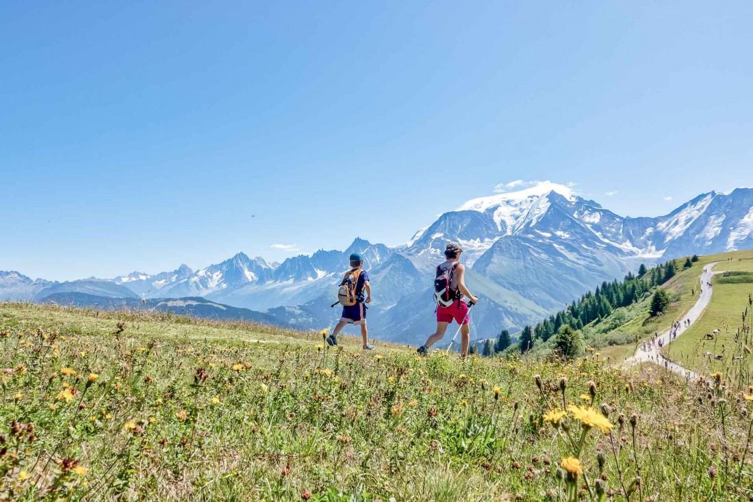Avec les remontées mécaniques, facile de se balader en altitude du côté du Mont d'Arbois © Boris Molinier