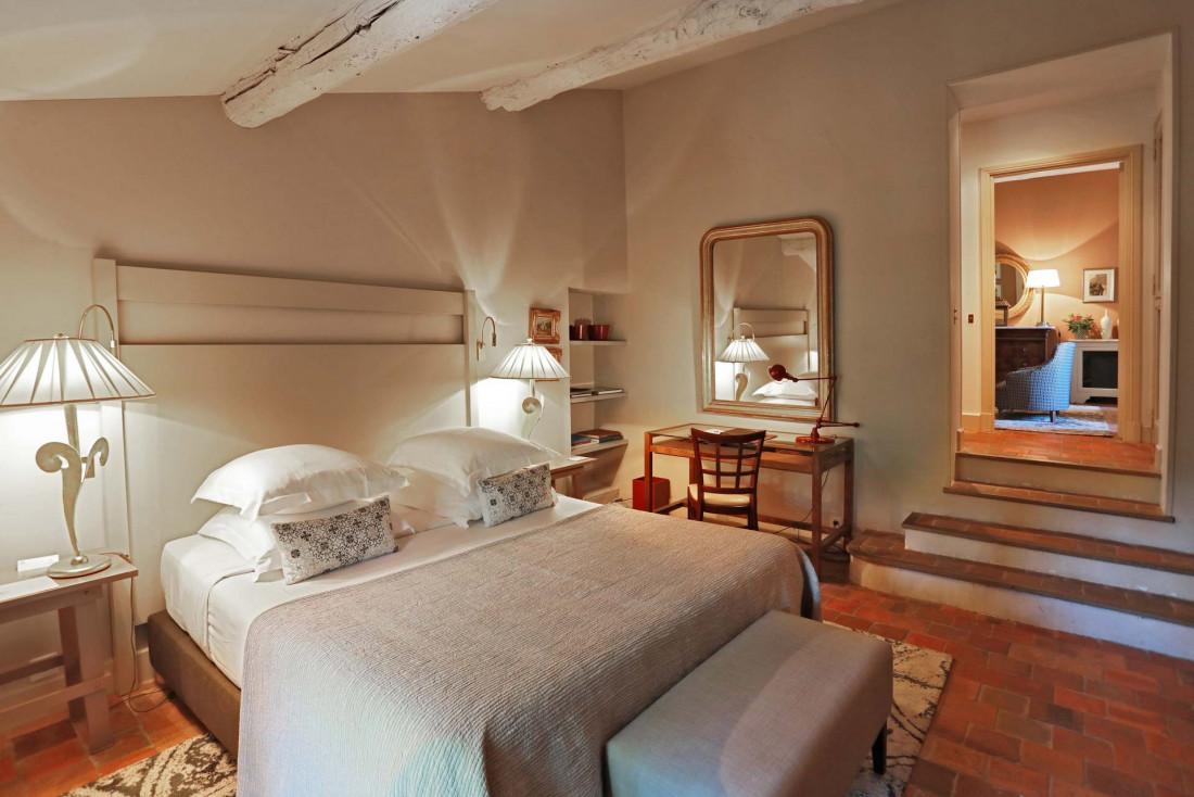La chambre 60 à Baumanière, infusée d'esprit provençal contemporain © Johan Meallier