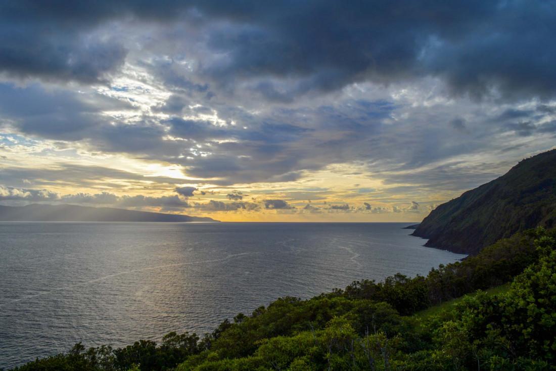 Coucher de soleil sur Pico depuis l'hôtel Lava Homes © YONDER.fr/PG