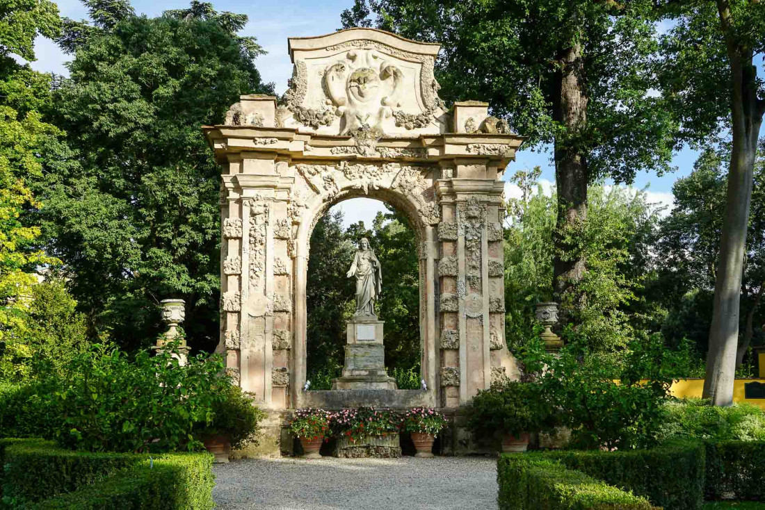 Four Seasons Hotel Firenze | Dans les allées du Giardino Della Gherardesca © MB|YONDER.fr