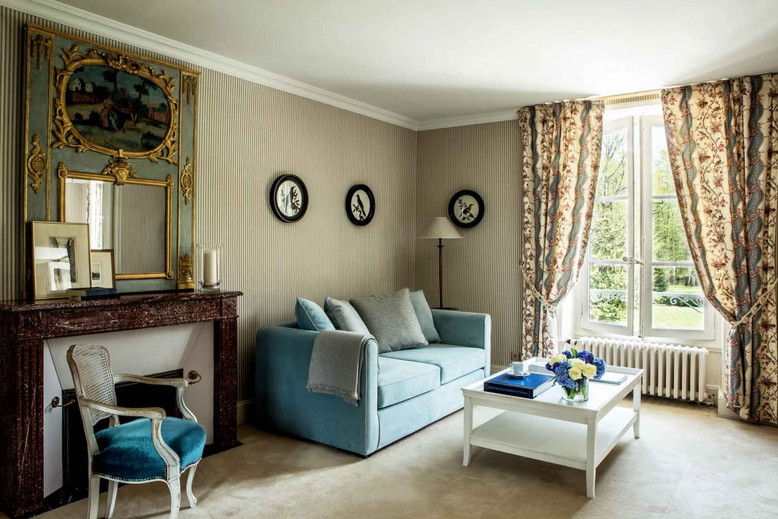 Le salon d'une suite dans le château aux Hauts de Loire © Gilles Trillard
