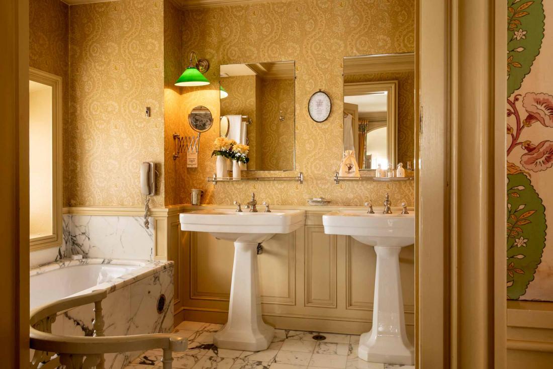 La Mirande | Les salles de bain d'antan tout confort © Christophe Bielsa