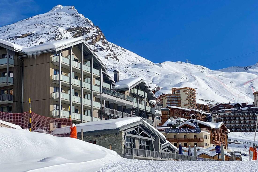 L'Hôtel Marielle, situé sur le front de neige de Val Thorens, à 2,300 mètres d'altitude © YONDER.fr | EL